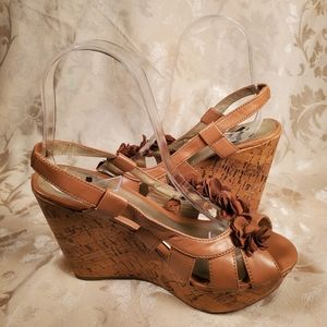 Report Light Brown Peeptoe Wedges with Flowers